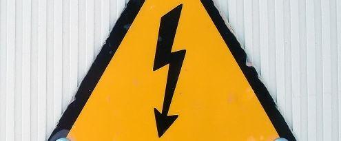 Waarschuwing voor hoge stroomspanning